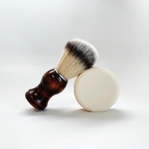 Moisturizing Shave Bar Headshot