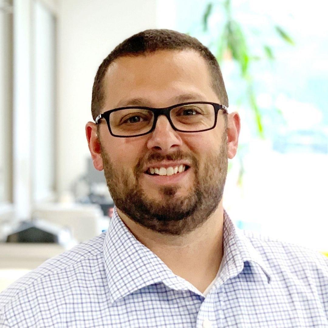 Twincraft Skincare Employee - Scott Brooks