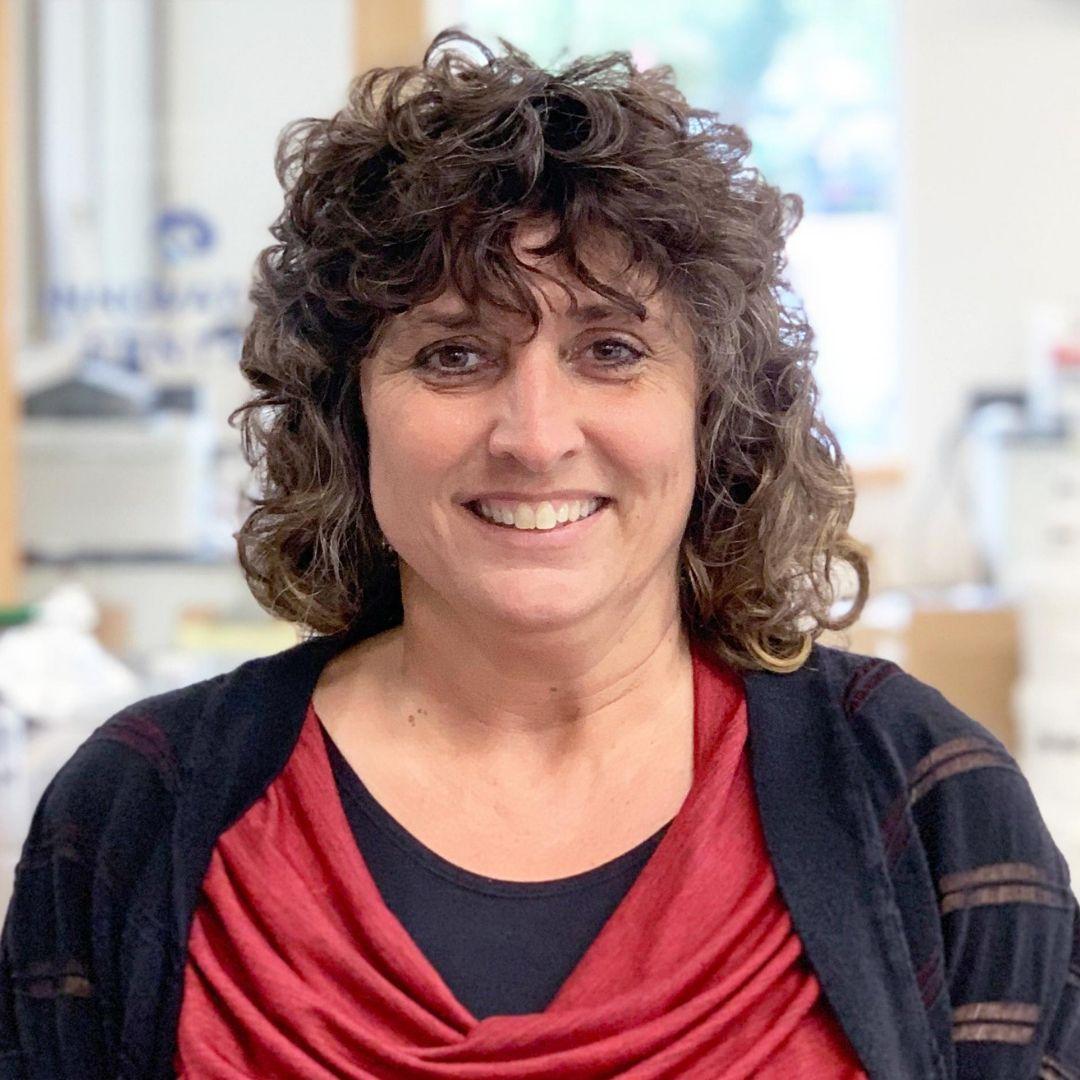 Twincraft Employee - Cindy Bernier